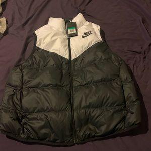 Nike puffer vest XL
